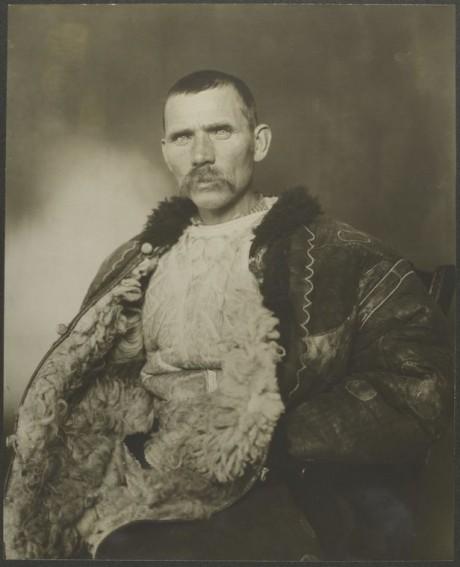 Romanian shepherd - ca. 1906